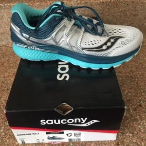Saucony Ladies Running Shoes - size 8 (NWT)